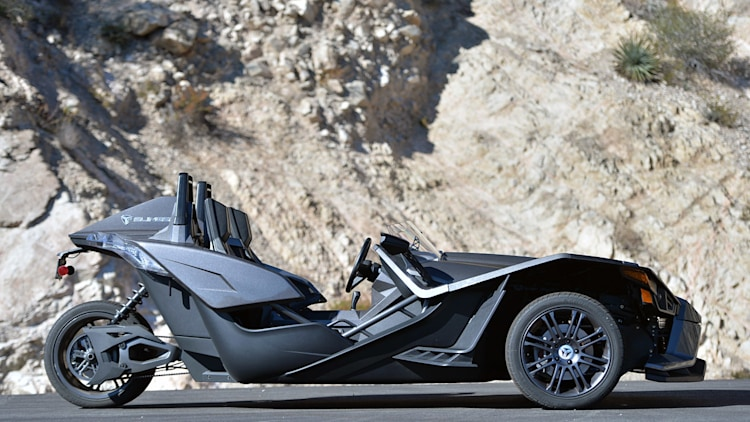 polaris follows up with slingshot recall autoblog. Black Bedroom Furniture Sets. Home Design Ideas
