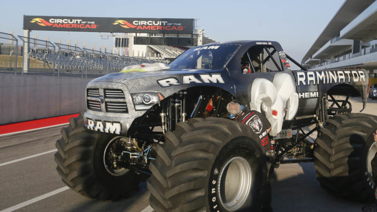 January 31, — Houston, TX — The team battled it out on a rough track with Ground Pounder and Amsoil Shock Therapy. The Sudden Impact team was on hand in Houston for the last show of the year for the Fox Sports One Monster Jam series.