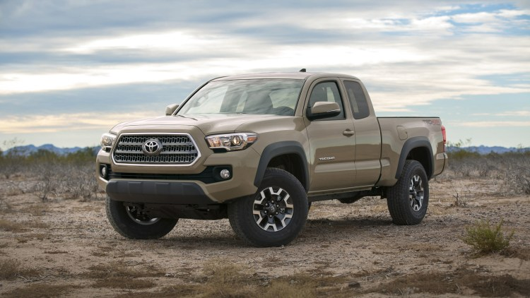 2016 toyota tacoma access cab revealed along with more details autoblog. Black Bedroom Furniture Sets. Home Design Ideas