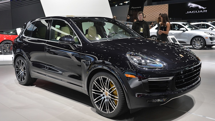 2015 porsche cayenne turbo s gets faster more powerful w video autoblog. Black Bedroom Furniture Sets. Home Design Ideas