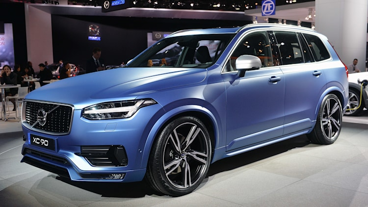volvo xc90 r design is a sporty looking swede in detroit. Black Bedroom Furniture Sets. Home Design Ideas