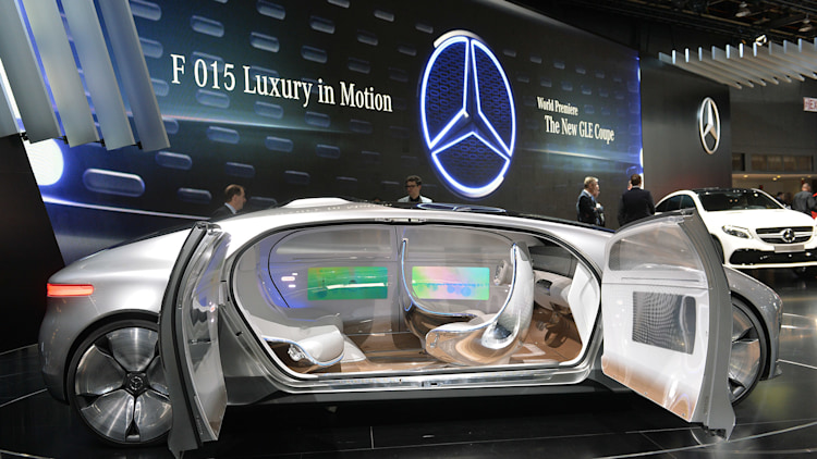 Mercedes benz f 015 luxury in motion has an absurd name for Mercedes benz f 750 price