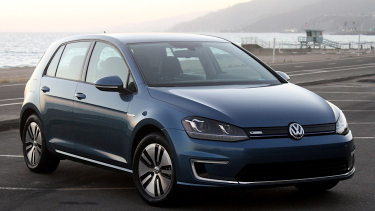 updated vw e golf will have maybe 124 miles of real world range autoblog. Black Bedroom Furniture Sets. Home Design Ideas