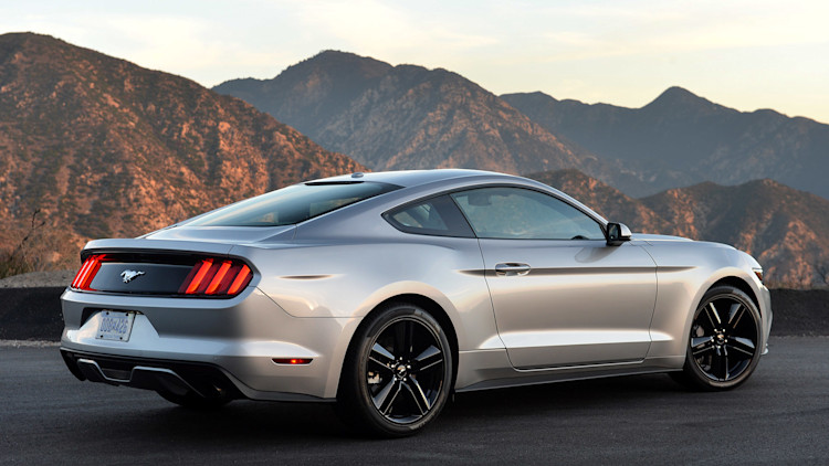 2015 ford mustang ecoboost review autoblog. Black Bedroom Furniture Sets. Home Design Ideas