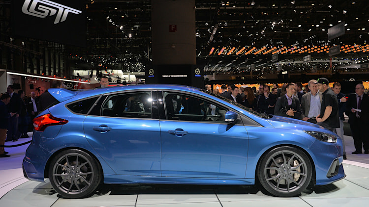 2016 Ford Focus RS leaps to 62 in 4.7 seconds, starts at $36,605 ...