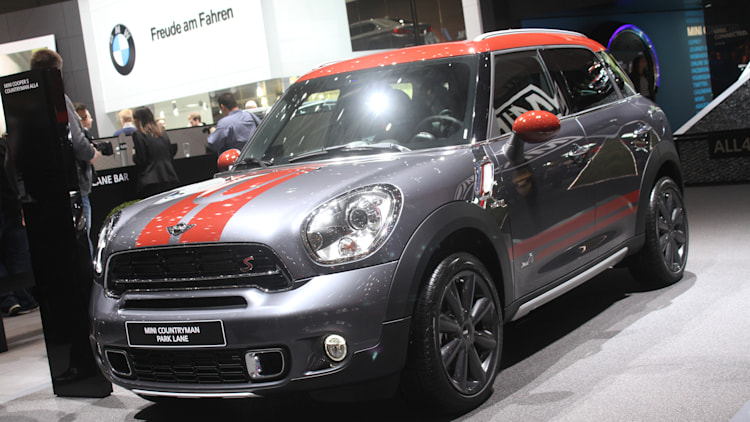 mini countryman park lane looks classy in earl grey autoblog. Black Bedroom Furniture Sets. Home Design Ideas