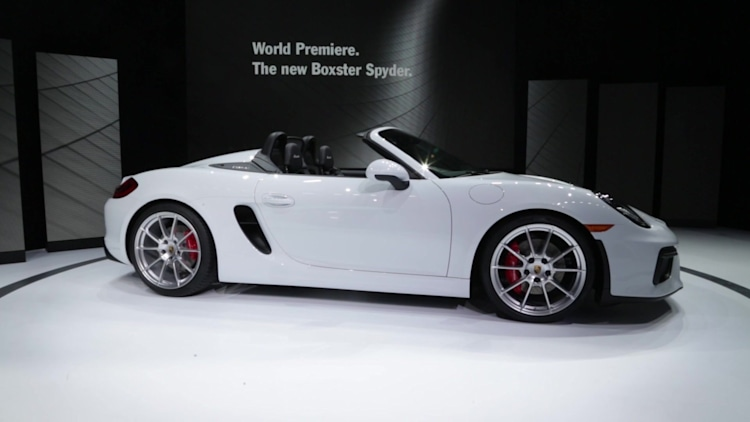 porsche woos us with 375 horsepower 0 60 in 43 seconds and a manually operated cloth roof - Porsche Spyder 2015