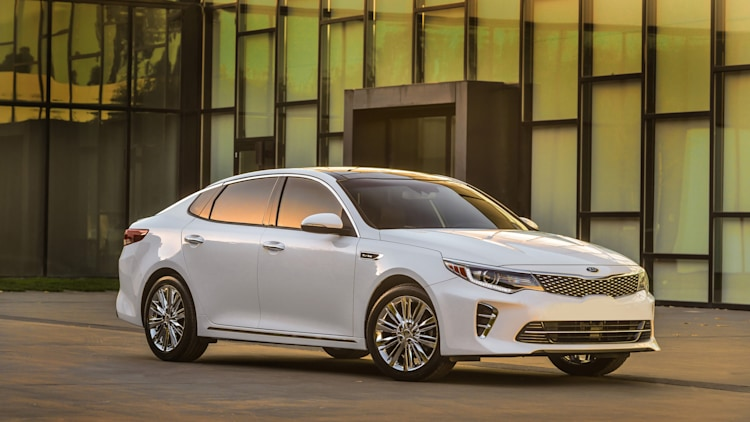 2016 Kia Optima in white