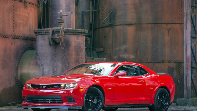 2015 Chevy Camaro Z/28 in red
