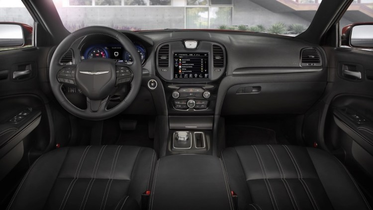 chrysler 300 2015 cabin interior