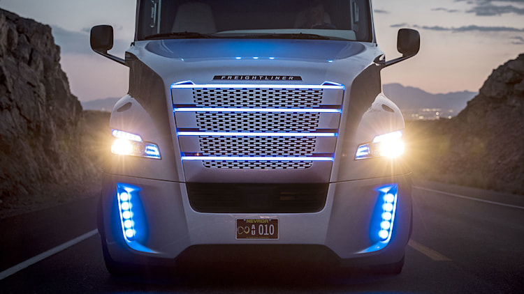 freightliner inspiration the selfdriving semi truck is