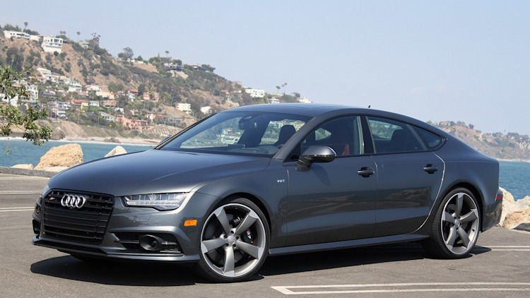 2016 Audi S7 front 3/4 view