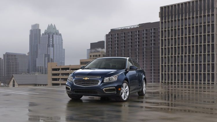 2015 Chevy Cruze sedan in blue