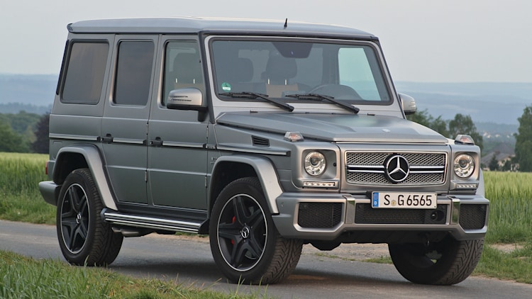 2015 Mercedes-Benz G65 AMG front 3/4 view