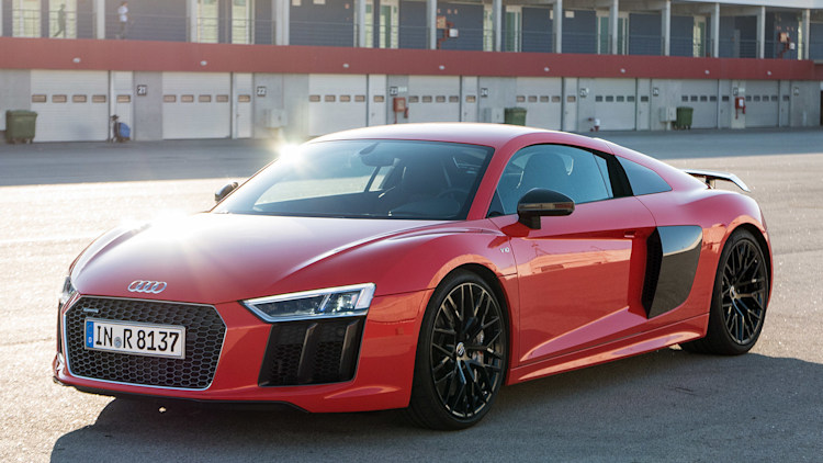 2017 audi r8 first drive autoblog. Black Bedroom Furniture Sets. Home Design Ideas