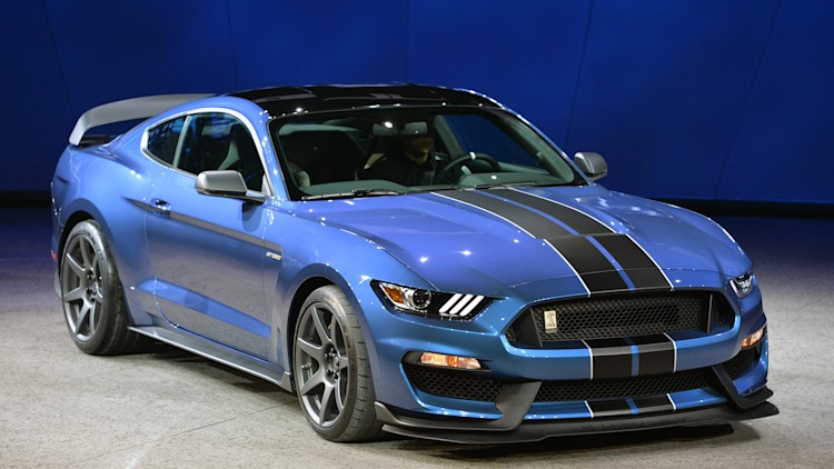2015 Shelby GT350 Mustang in blue