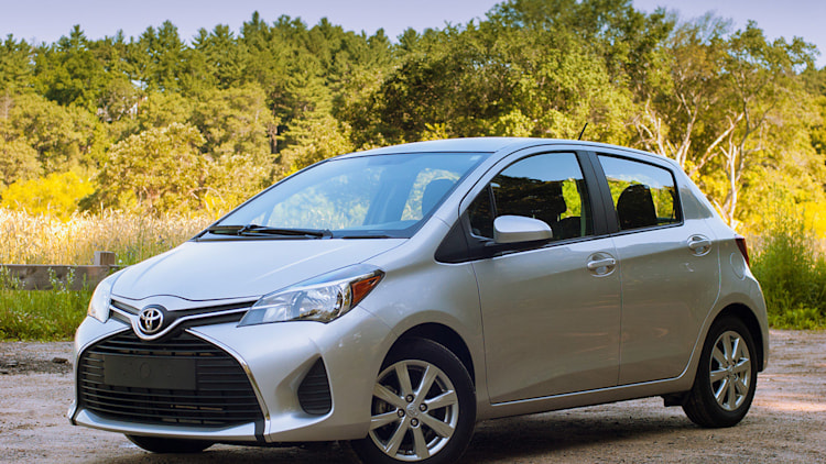 2015 Toyota Yaris front 3/4 view
