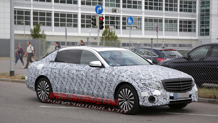 Mercedes caught testing stretched E-Class Maybach - Autoblog