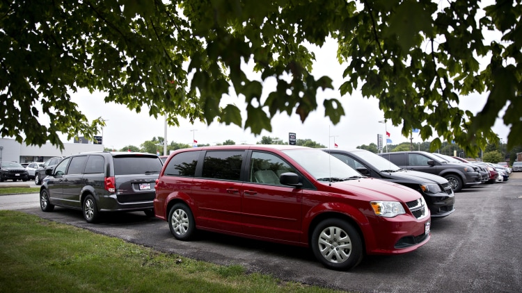 Dodge Caravan in red