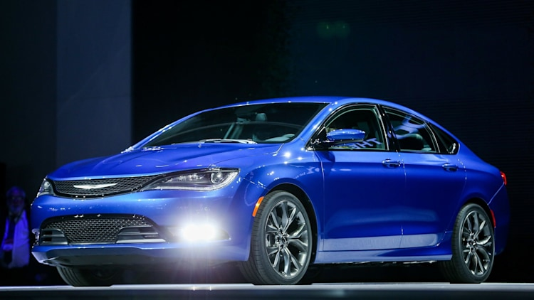 2015 Chrysler 200 sedan in blue