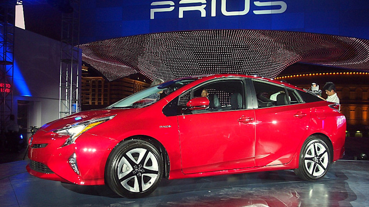 2016 toyota prius official reveal