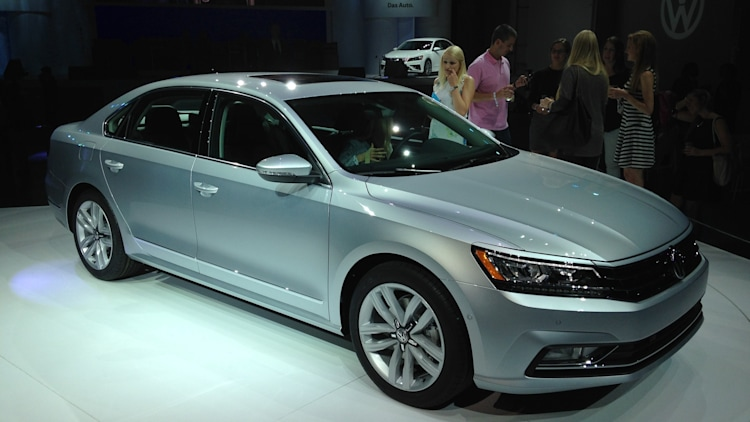 2016 VW passat front side wide view