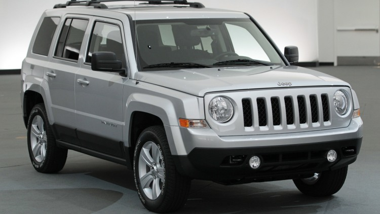 2015 Jeep Patriot crossover in silver