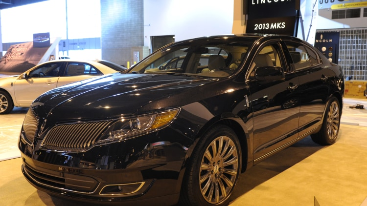 2015 Lincoln MKS sedan in black