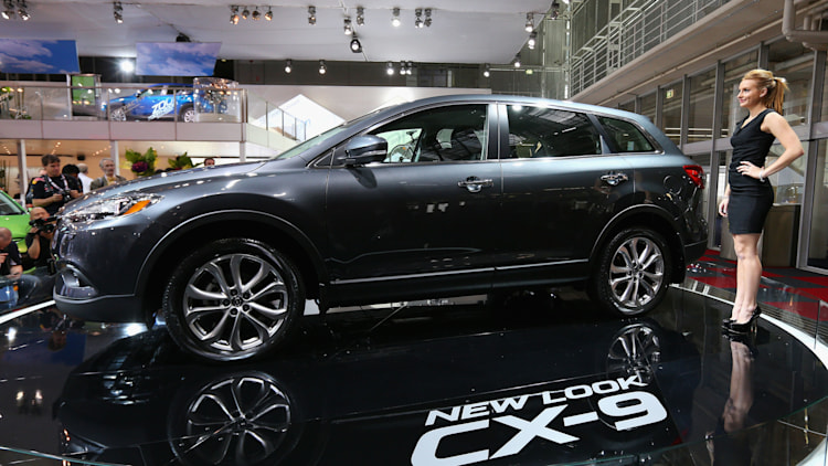 2015 Mazda CX-9 crossover in grey