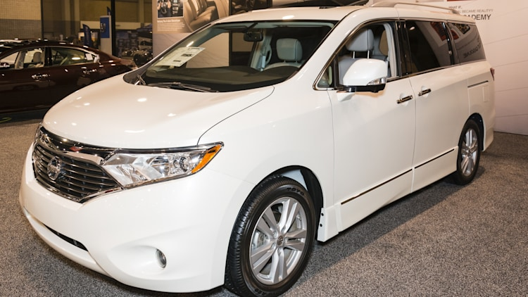 2015 Nissan Quest minivan in white