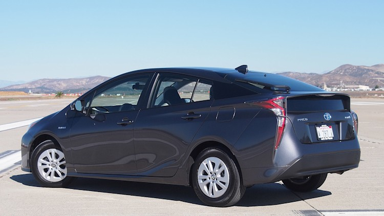2016 toyota prius first drive autoblog. Black Bedroom Furniture Sets. Home Design Ideas