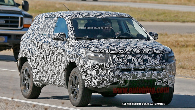 Jeep compact crossover spied front 3/4