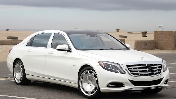 2016 Mercedes-Maybach S600 front 3/4 view