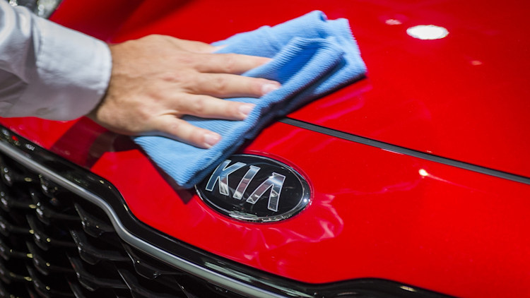 Kia badge and grille