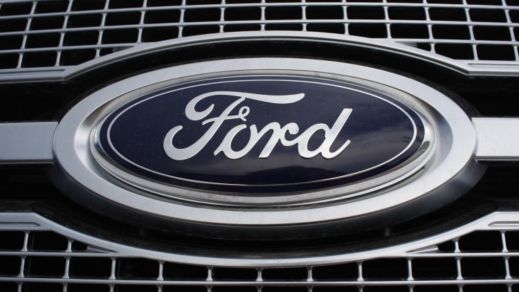 Ford badge and grille