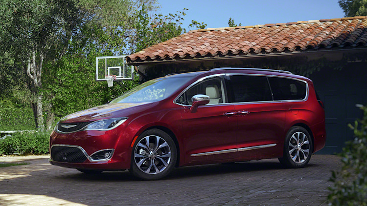 2017 Chrysler Pacifica front 3/4 in red
