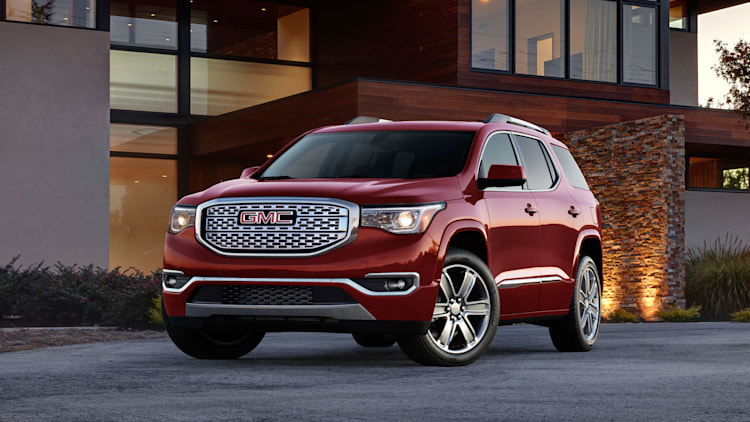2017 GMC Acadia exterior front 3/4