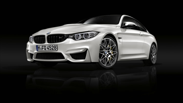 2016 BMW M4 Competition Package front 3/4