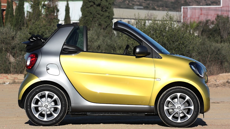 2017 smart fortwo cabriolet first drive w video autoblog. Black Bedroom Furniture Sets. Home Design Ideas