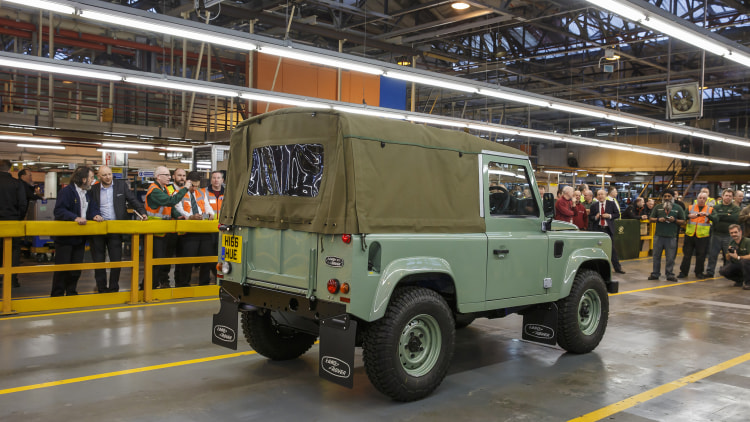 Worksheet. The last Land Rover Defender has rolled off the line  Autoblog