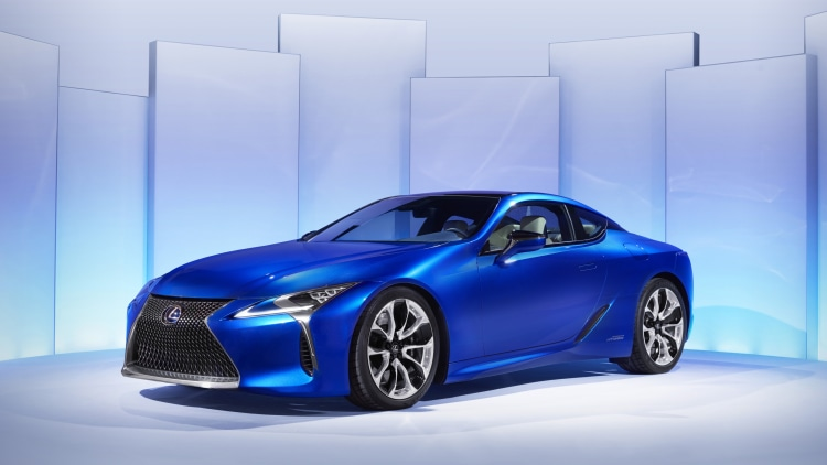 2018 Lexus LC 500h front three-quarter