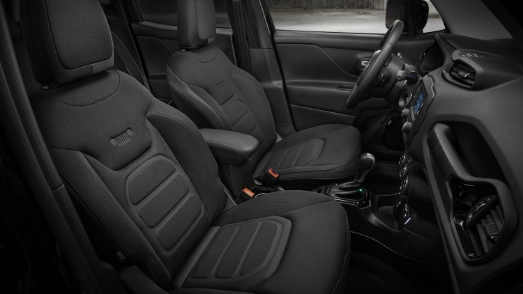 2016 jeep renegade dawn of justice is a superhero special w video autoblog. Black Bedroom Furniture Sets. Home Design Ideas