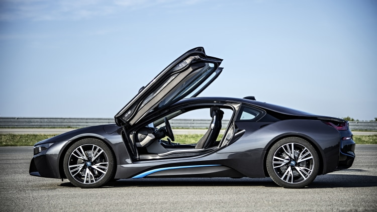 BMW i8 in dark grey