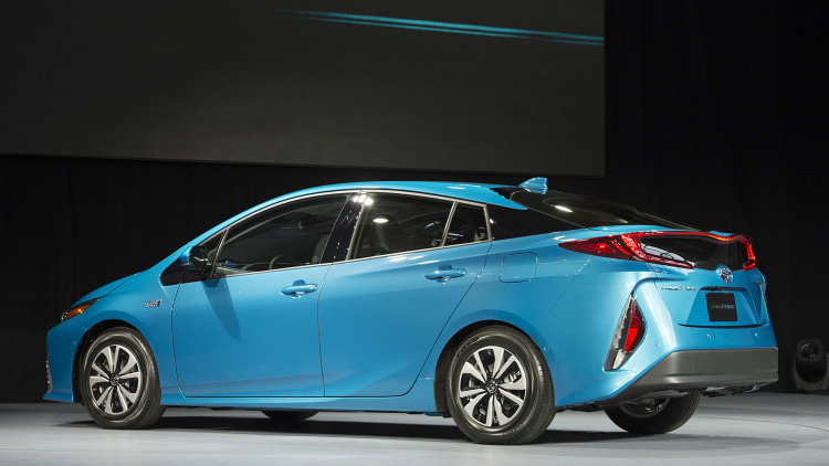 the toyota prius prime is the way it is because people complained autoblog. Black Bedroom Furniture Sets. Home Design Ideas