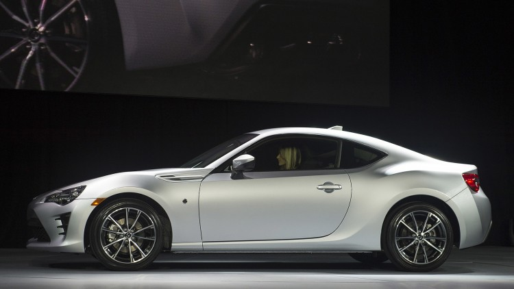 2017 Toyota 86 brings new name and fresh face to New York - Autoblog