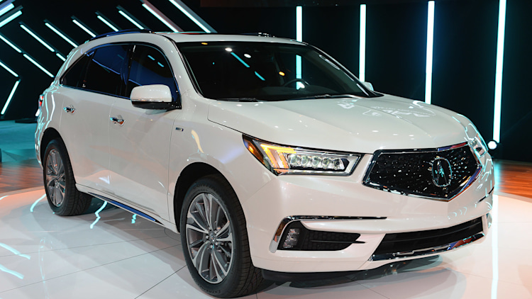 2017 acura mdx has a sharper face and sport hybrid option autoblog. Black Bedroom Furniture Sets. Home Design Ideas