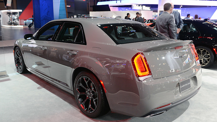 Chrysler 300 Reviews Specs amp Prices  Top Speed