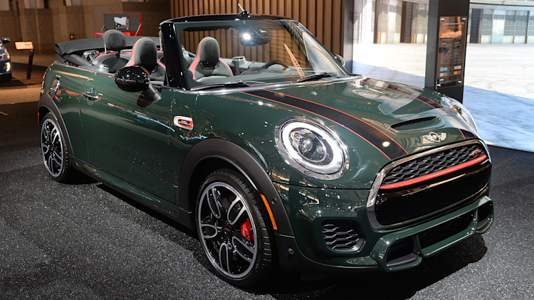 Mini John Cooper Works Convertible gets a belated show debut