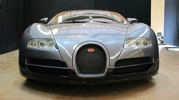 what do you do with a fake bugatti veyron for 60k autoblog. Black Bedroom Furniture Sets. Home Design Ideas