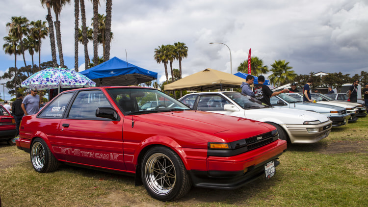 1986 toyota corolla ae86 red tofu delivery